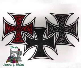 Parche cruz de malta bordada
